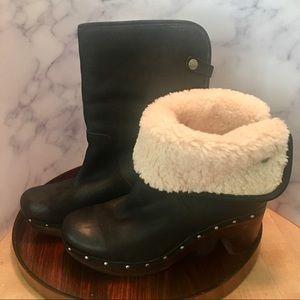 Ugg Lynnea Black Burnished Leather Clog Boot